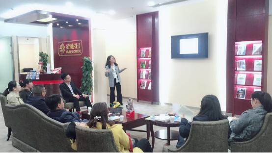 招行青岛开发区支行联合新东方开展留学讲座