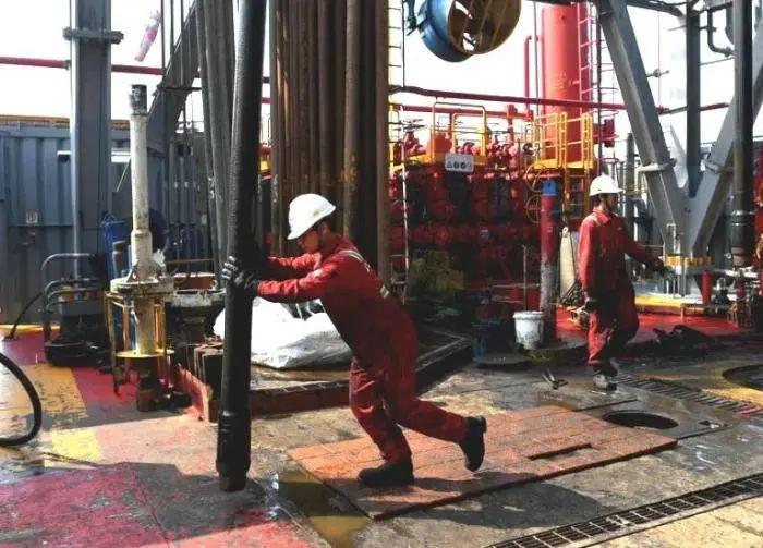 渤海发现大型油田 测试井年产量超40万桶